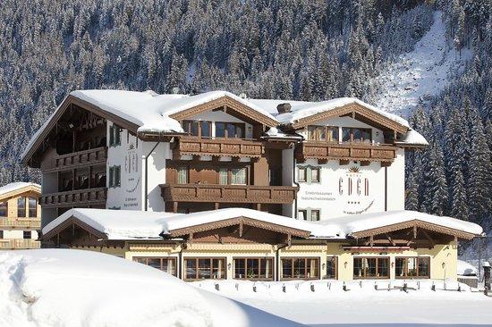Hotel Eden: Traumhafte Aussicht in die Tuxer Bergwelt