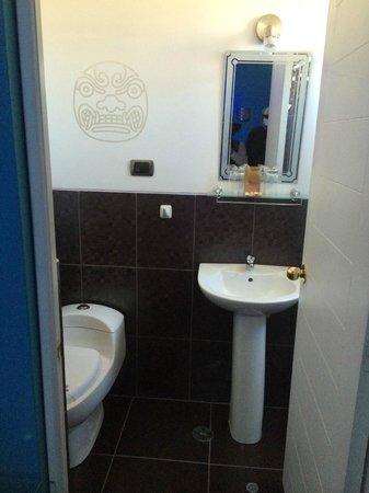 Wifala Hotel Tematico: Bathroom view