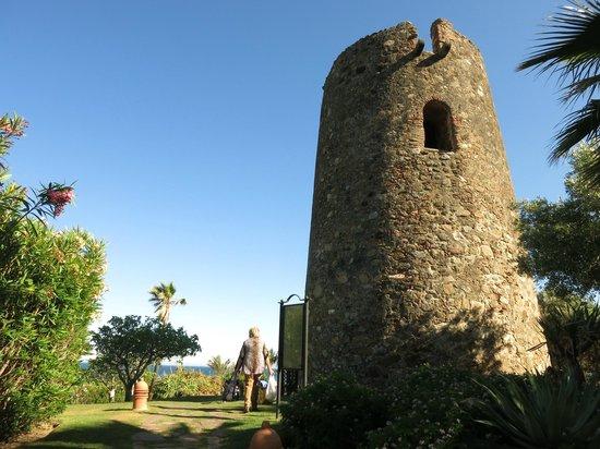 Kempinski Hotel Bahia: Tower at the hotel