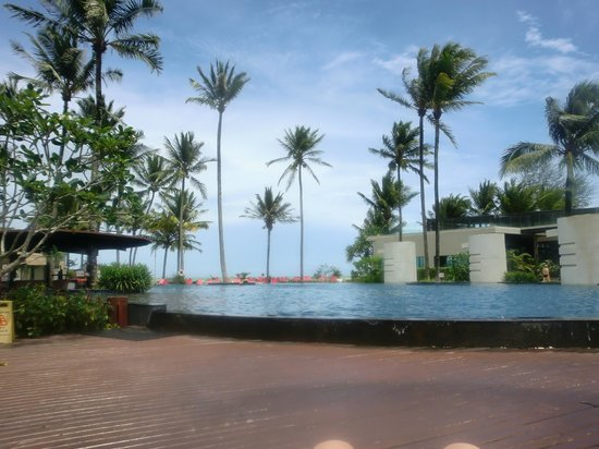 Ramada Khao Lak Resort: Pool area