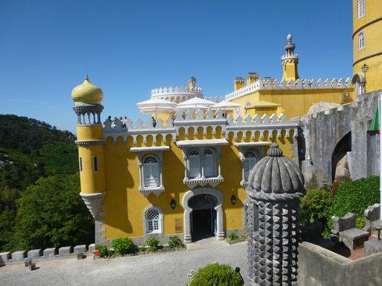 Park and National Palace of Pena: Palácio da Pena em 01/06/14.