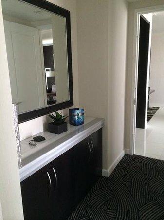 ARIA Sky Suites : Between Bedroom and Living Room