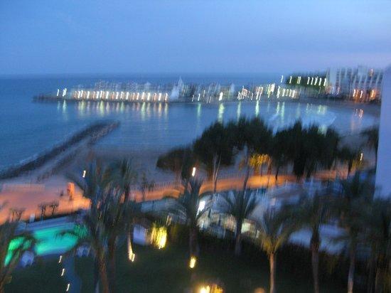 Gran Hotel Las Fuentes: vista desde la habitación, al fondo el puerto deportivo de Alcossebre