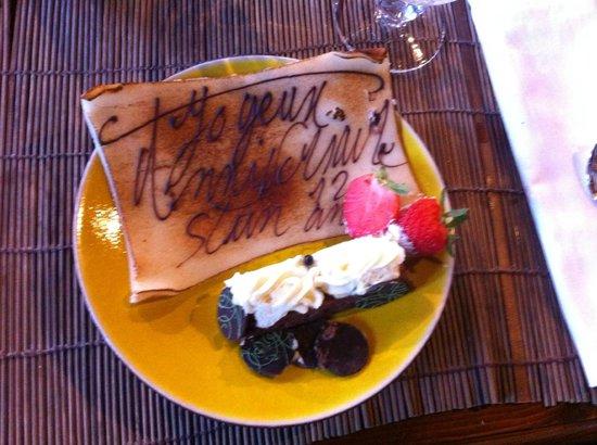Hotel des Pirates : sur le gâteau d'anniversaire.
