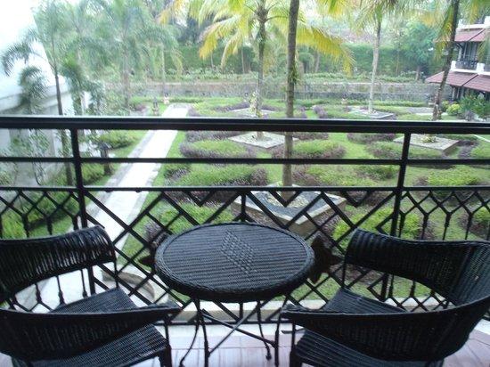 Sheraton Mustika Yogyakarta Resort and Spa : Balcony