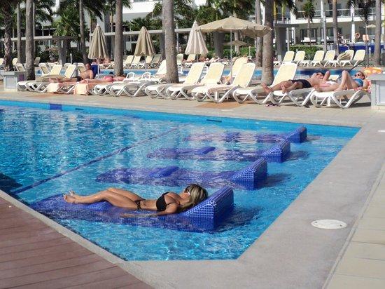 Hotel Riu Palace Peninsula : Riu Palace Peninsula Pool