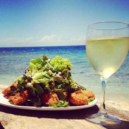 Neptune's Restaurant and Bar: Coconut Shrimp Salad