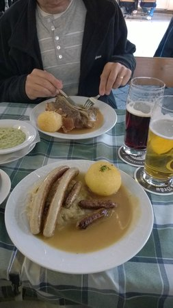 Restaurant Alt-Ringlein : Bratwurst with potato dumplings