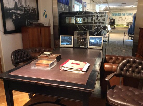 Volvo Museum: стол основателей