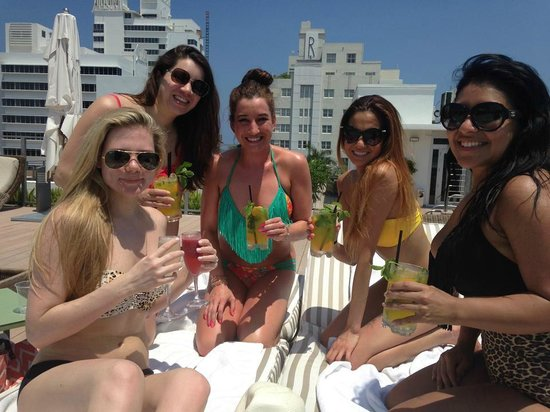 The Redbury South Beach : Rooftop pool and drinks