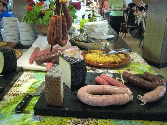 Alba Seleqtta Hotel: catalaanse avond van  vlees in restaurant