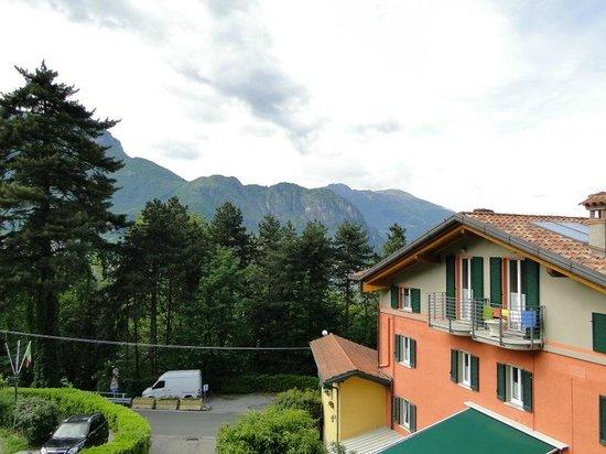 Antica Residenza I Ronchi di Bellagio: Вид из сада