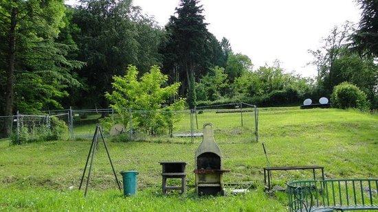Antica Residenza I Ronchi di Bellagio: Барбекю в саду
