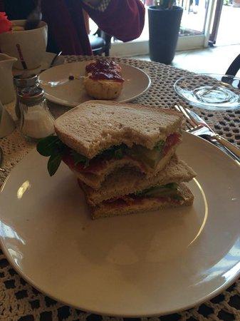 Cafe del Art: Berliner sandwich (not from Berlin)