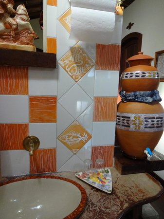 Estalagem Alcino: Detalhe lavabo