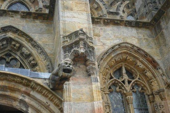 Rosslyn Chapel: Gárgola en la parte exterior izquierda