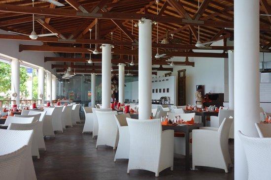Calamander Unawatuna Beach: Sri Lankan Dining, Eat with your fingers in the fresh air