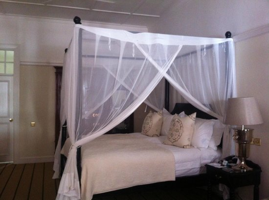 The Victoria Falls Hotel: Habitación
