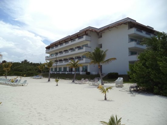 BlueBay Grand Esmeralda : Building 5, bottom floor have the walk out to the beach rooms