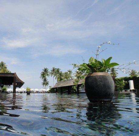 JW Marriott Khao Lak Resort & Spa : Pool bar