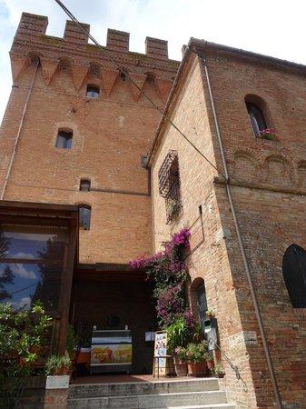 Ristorante La Torre di Monte Oliveto Maggiore ad Asciano.