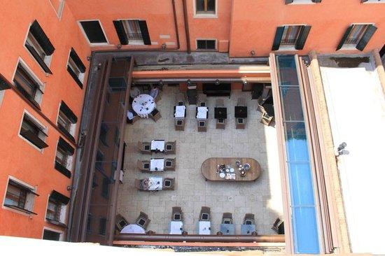 Starhotels Splendid Venice: salle de restauration (toit ouvert) vue depuis la terrasse