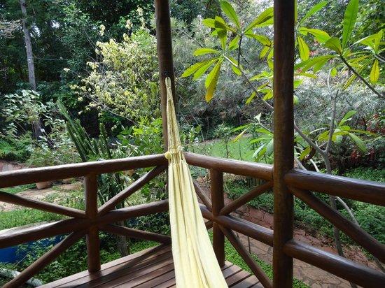 Pousada Vila Serrano: Varanda espaçosa