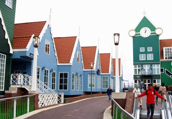 Inntel Hotels Amsterdam Zaandam: lego houses