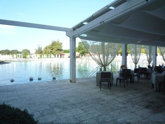 Terme di Saturnia Spa & Golf Resort : view of pool from dining room
