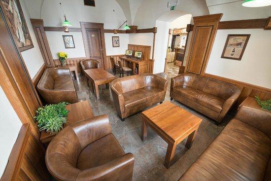 Brewery Hotel U Medvidku : Beer café - lobby