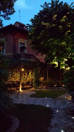 Hotel San Anselmo: Garden 1