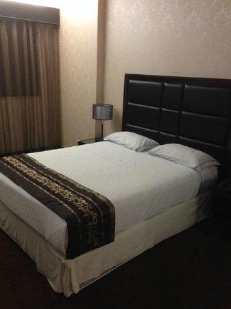 VIP Grand Maputo Hotel: Bedroom