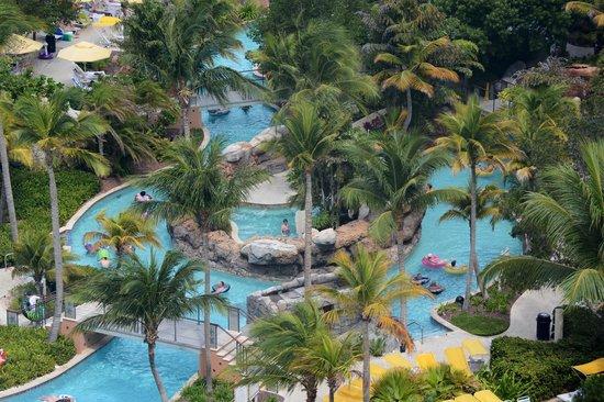 Marriott's Aruba Surf Club : The lazy river
