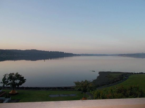 Best Western Plus Silverdale Beach Hotel : Inlet View
