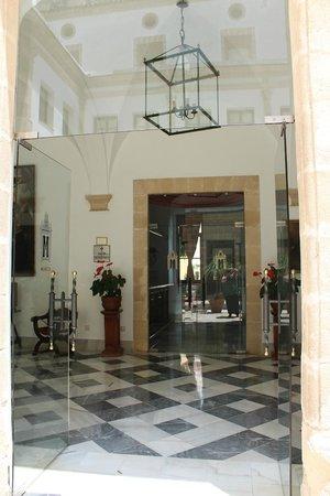 Monasterio De San Miguel Hotel : Corredores cercanos al Claustro