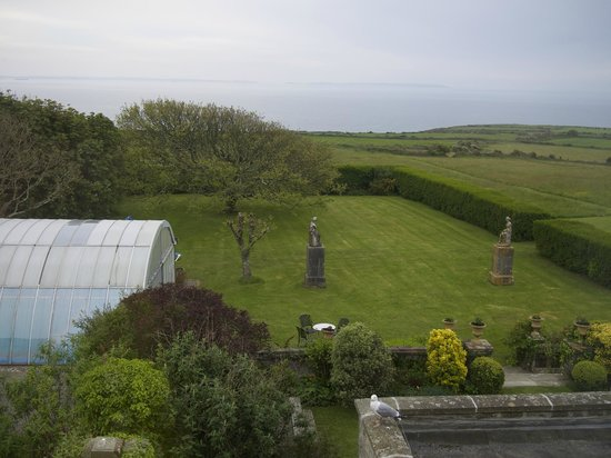 Warpool Court Hotel : The view from our room (pool under the arch to the left)
