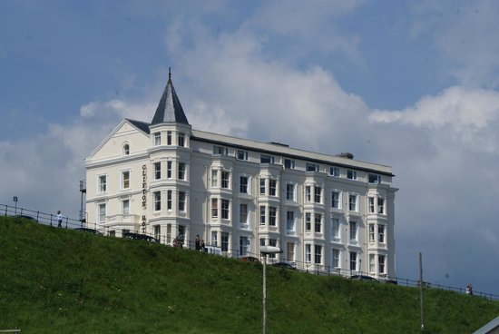The Clifton Hotel - Scarborough: The view of the hotel
