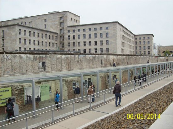 Meliá Berlin : The Wall & Museum