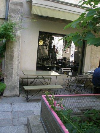 Cru : outdoor dining