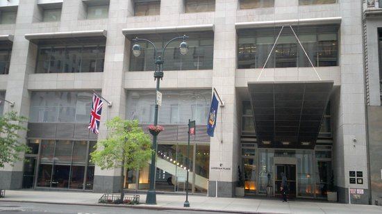 Langham Place, New York, Fifth Avenue: Ingresso