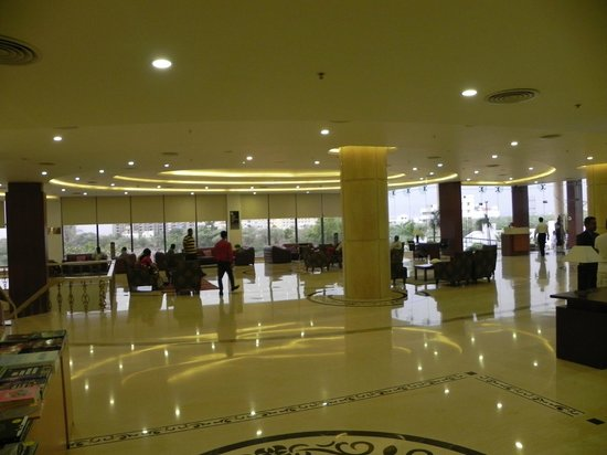 Fortune Select Grand Ridge : Lobby