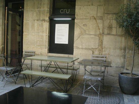 Cru : stone and steel
