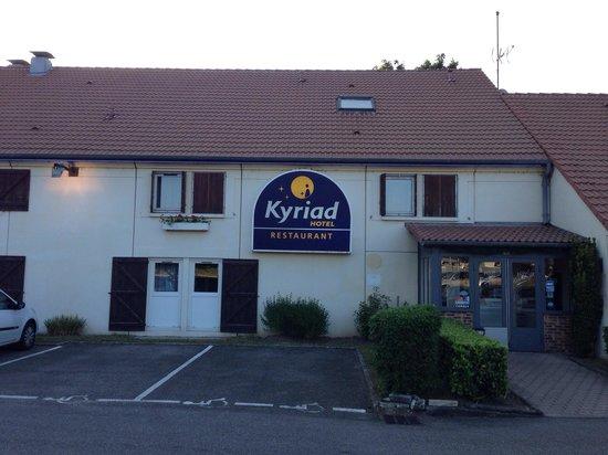Kyriad Macon Nord - Sance - Parc Des Expositions: Hotel KYRIAD chaleureux et calme