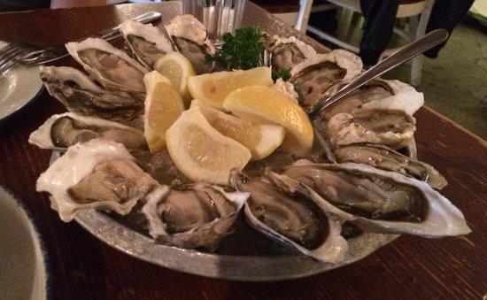 Rodney's Oyster House : Oyster plate