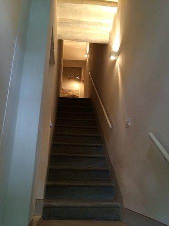 scale di accesso alla camera