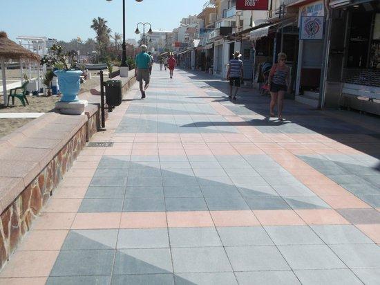 La Carihuela : promenade