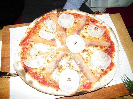 Osteria Mossimo Milano : Pizza with Salmon