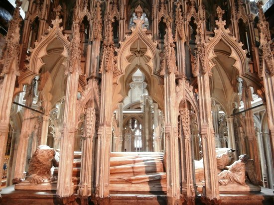 Gloucester Cathedral: Edward II's tomb