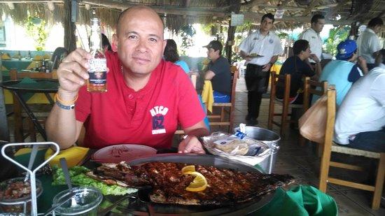 Mariscos Tino's - La Laguna: sarandeado!!