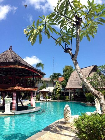 Ananda resort  pool